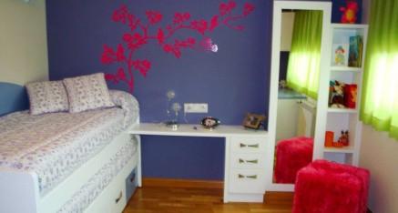 Habitación juvenil lacada blanca y lila