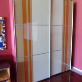 Puertas correderas para armarios.