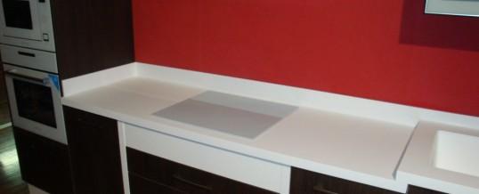 Materiales para encimera: Hi-Macs, la piedra acrílica